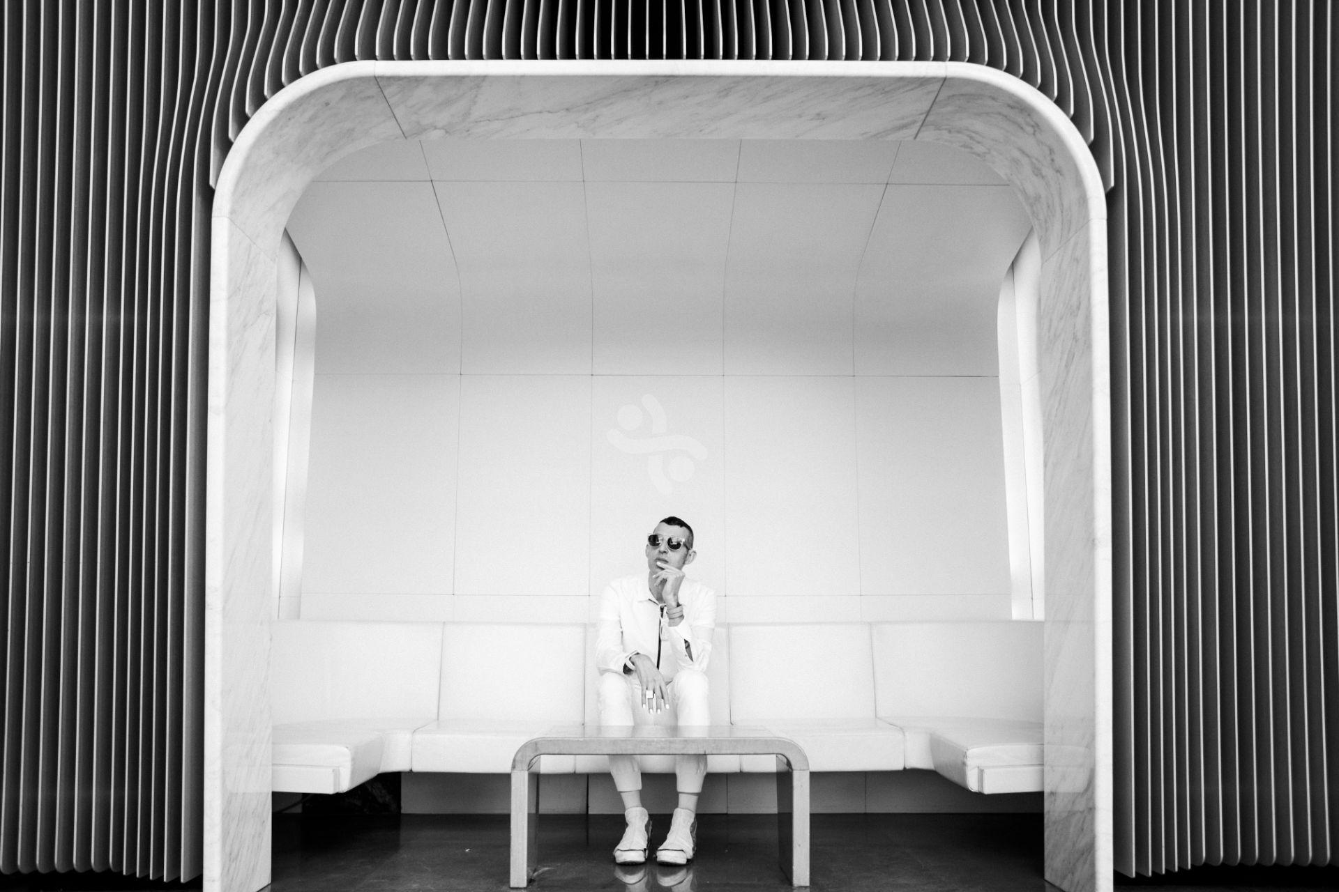 Karim Rashid – 24hugs slings designer